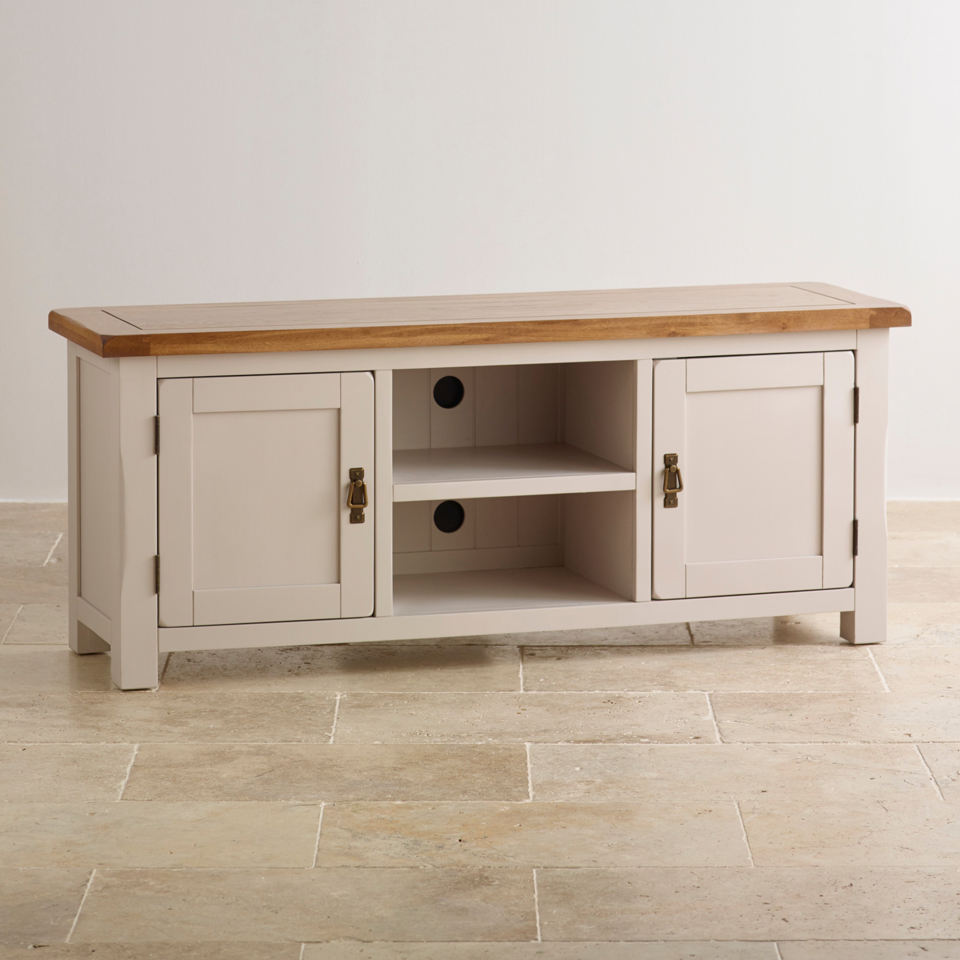 Kemble Widescreen TV Cabinet In Solid Oak | Oak Furniture Land