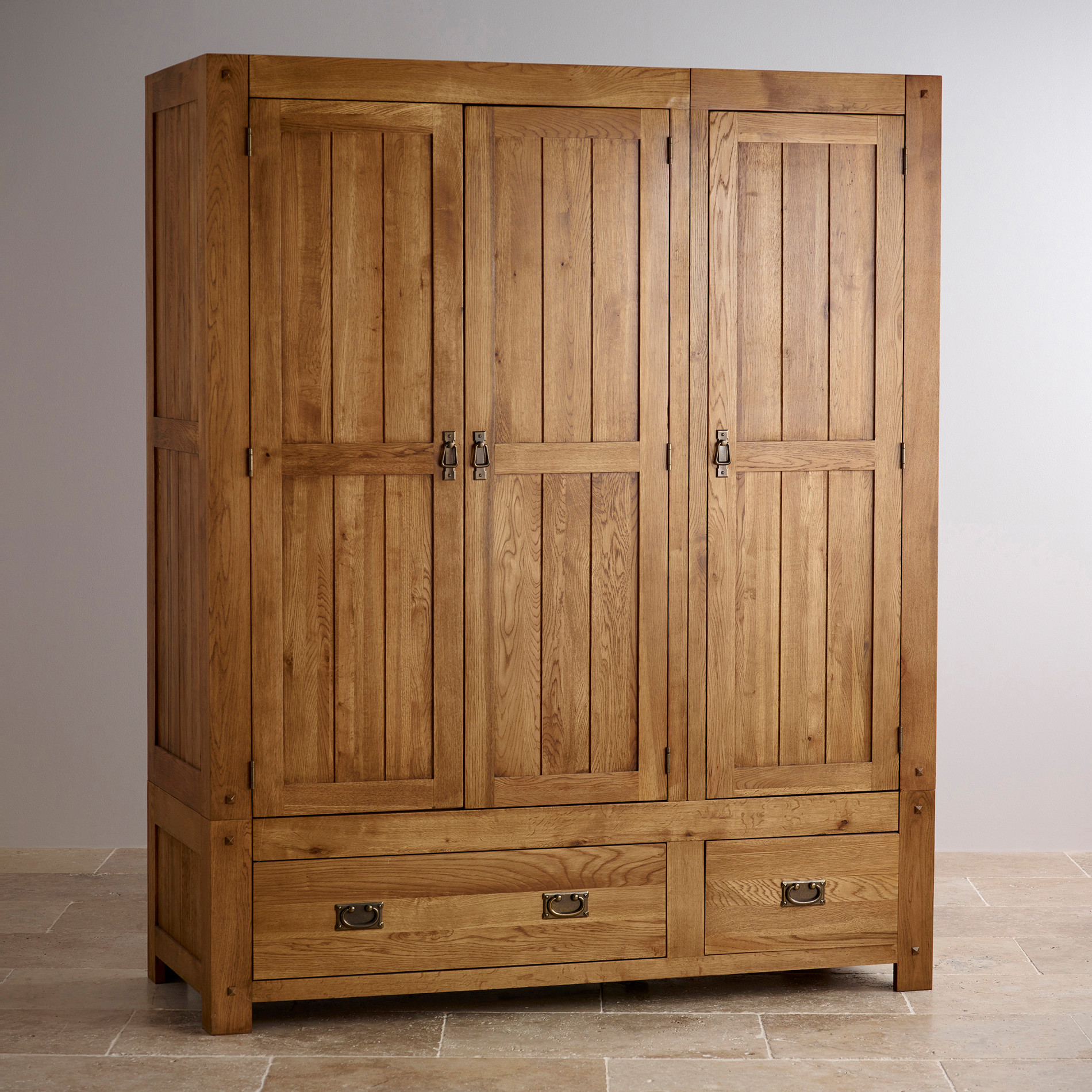 Quercus triple wardrobe rustic oak oak furniture land for Solid oak furniture