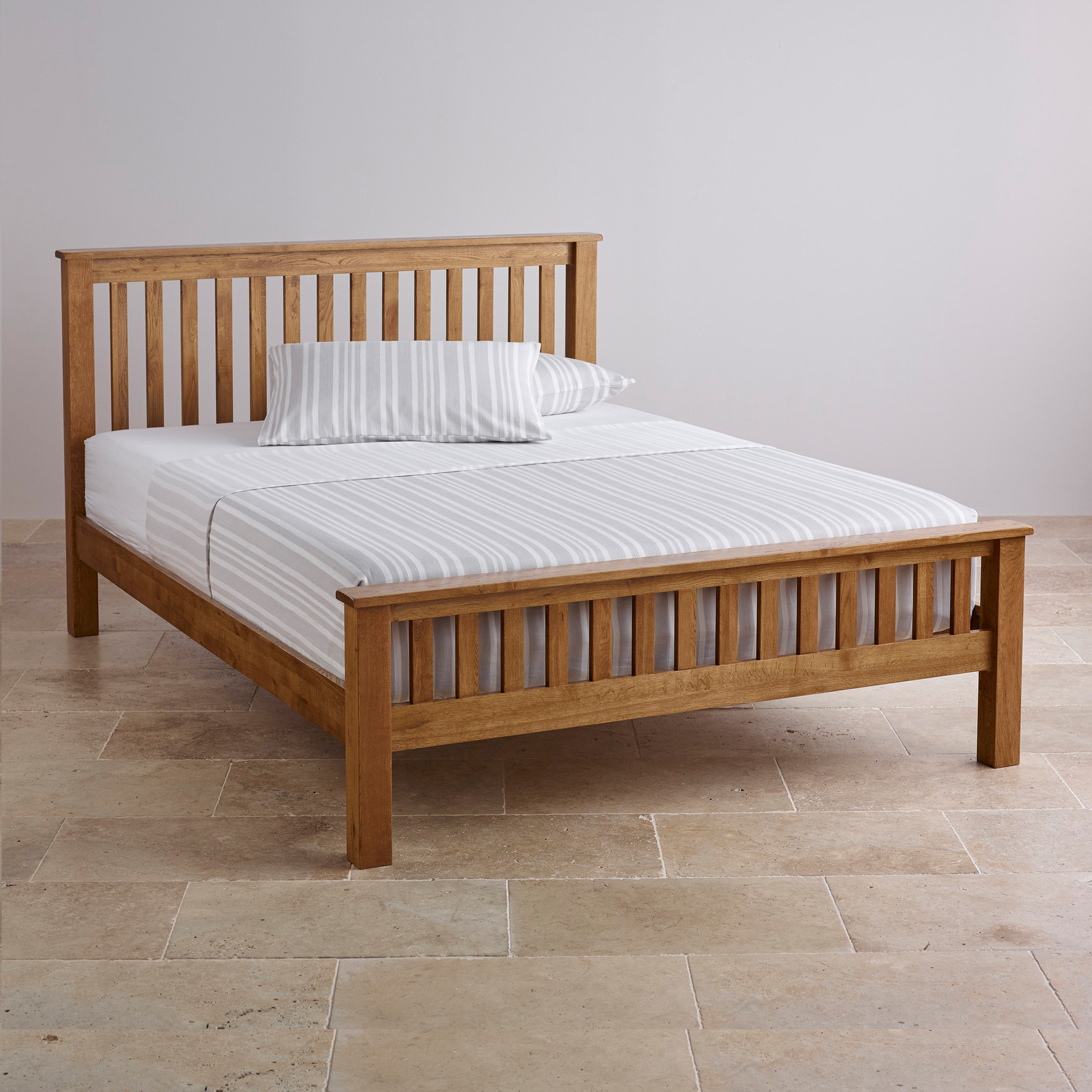 Original rustic king size bed in solid oak oak furniture for Double bed bedroom sets