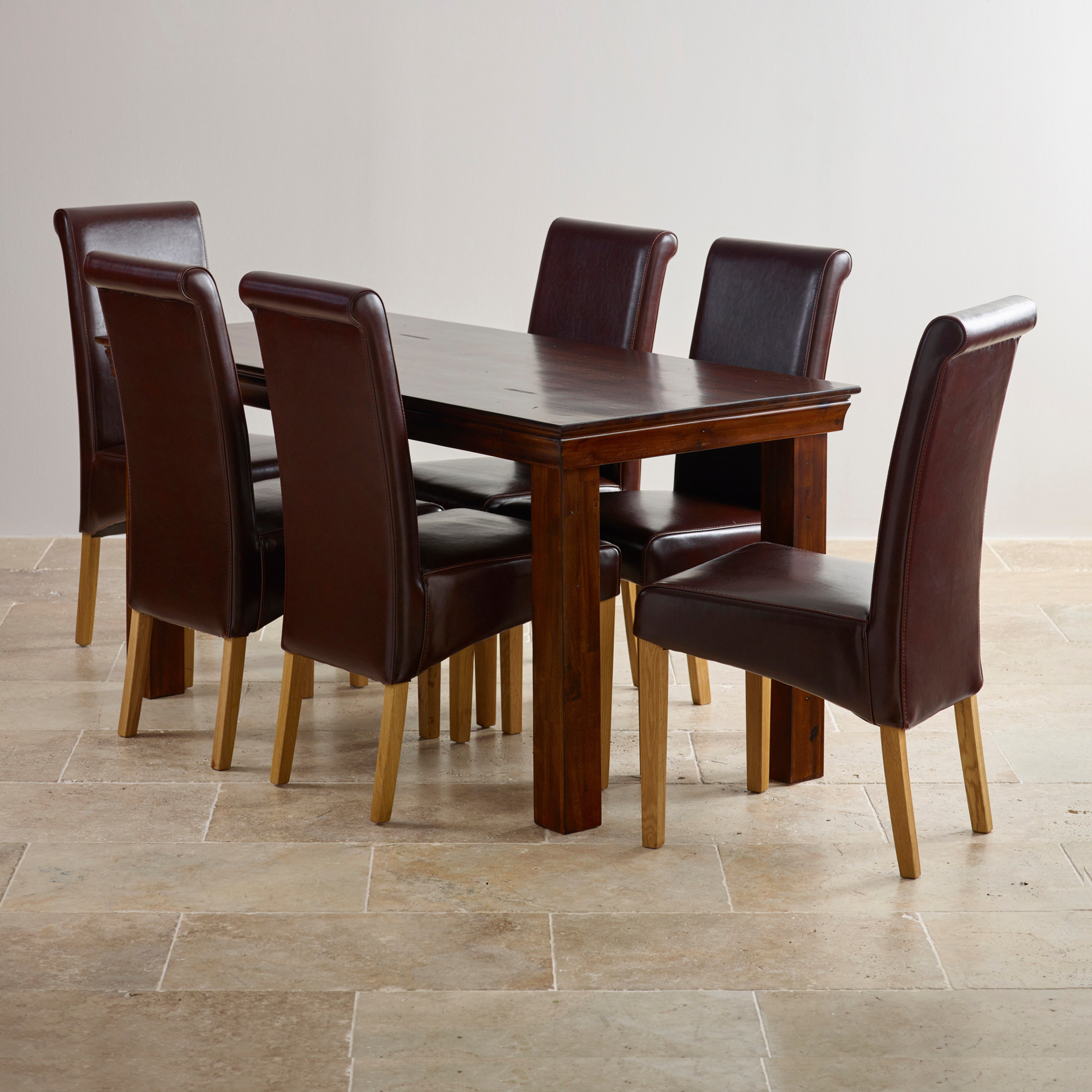 Victoria extending dining set in acacia table leather