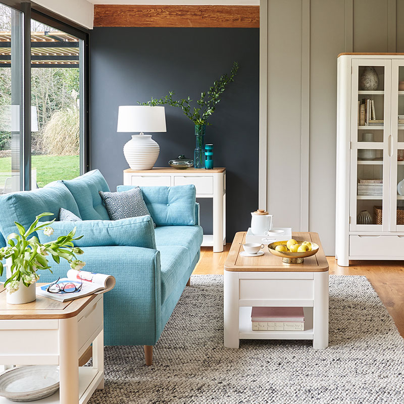 10 tips to make a small living room look bigger