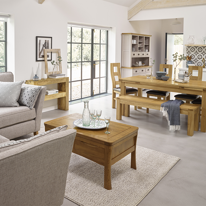 Choosing furniture for different shaped living rooms