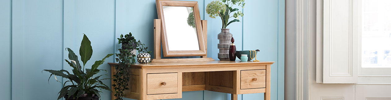 Dressing table ideas and how to arrange your makeup table