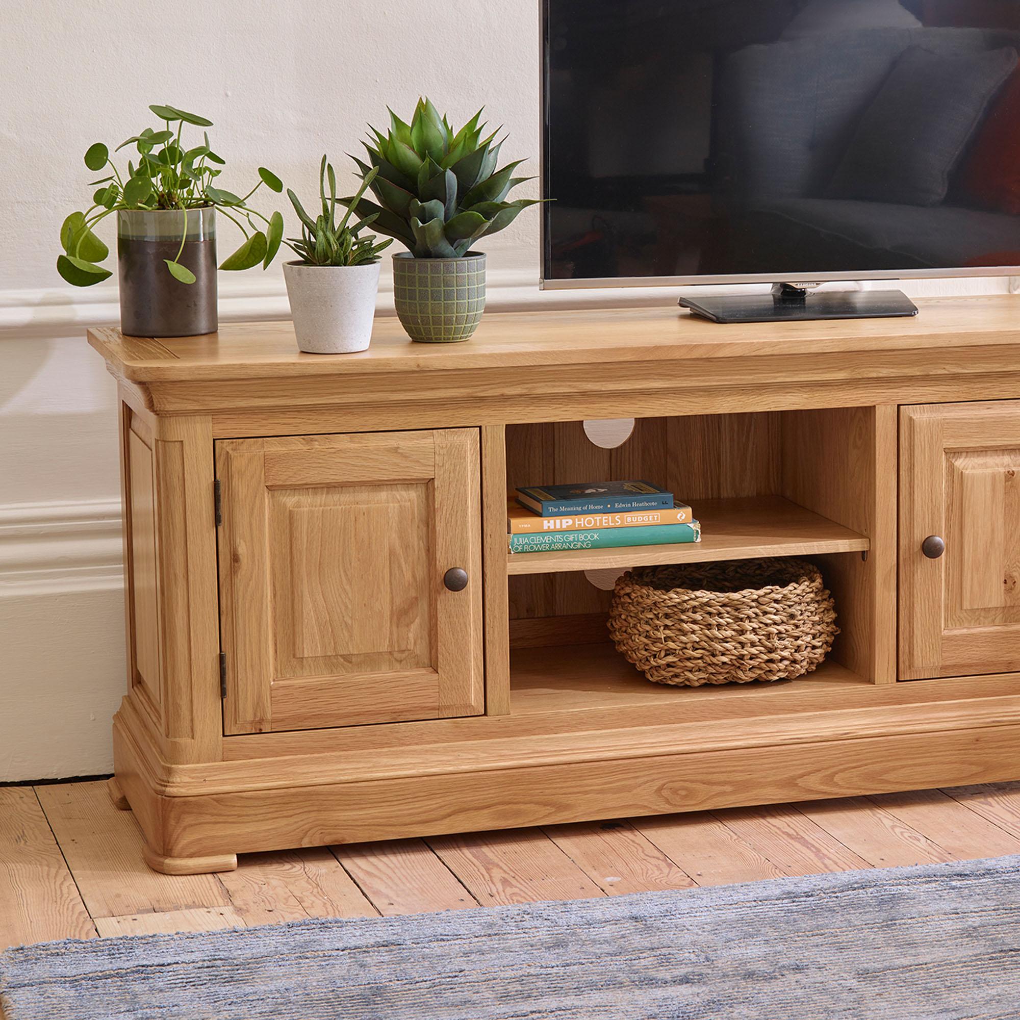 Oak tv units stands solid wood tv cabinets oak furnitureland
