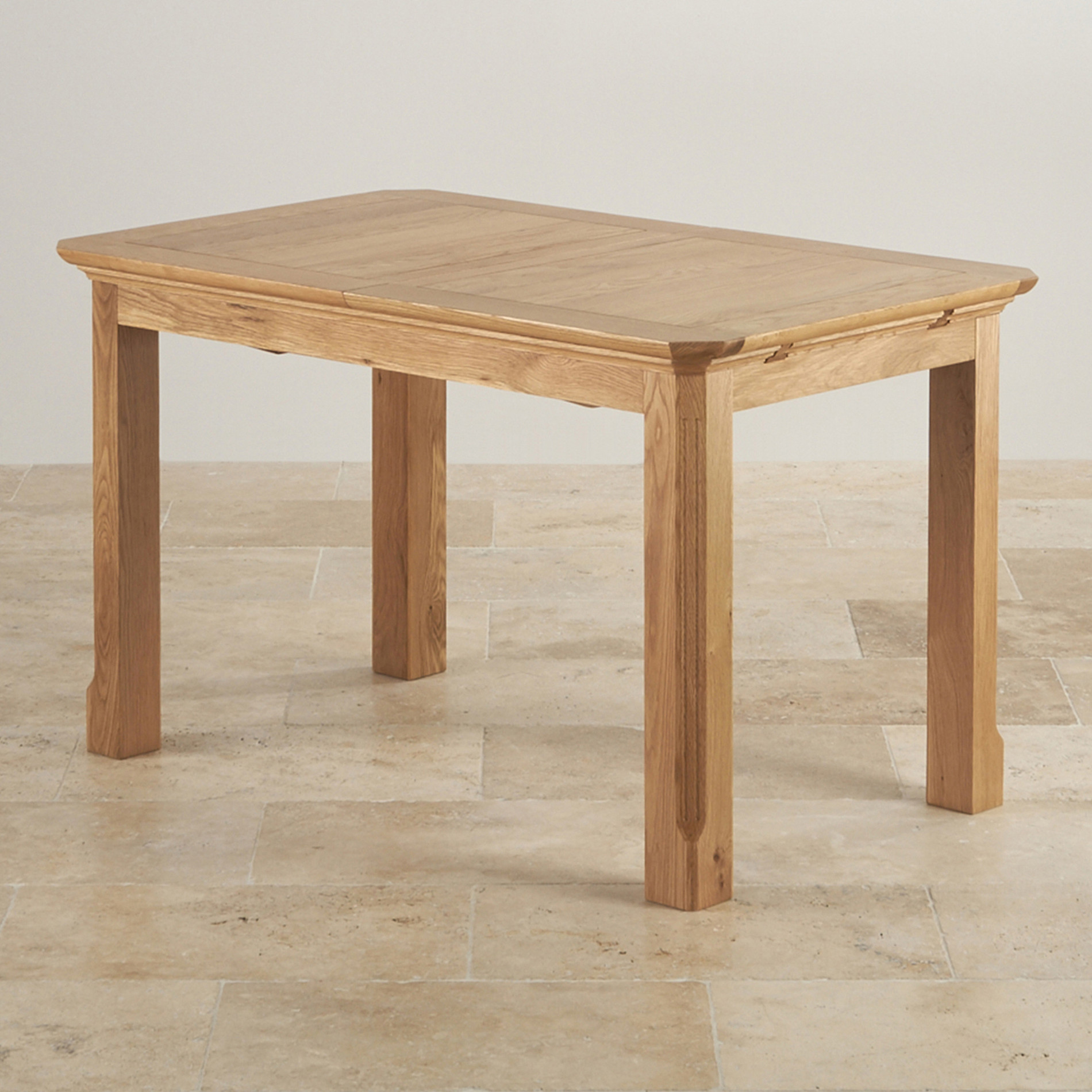 Edinburgh Extending Dining Table In Oak