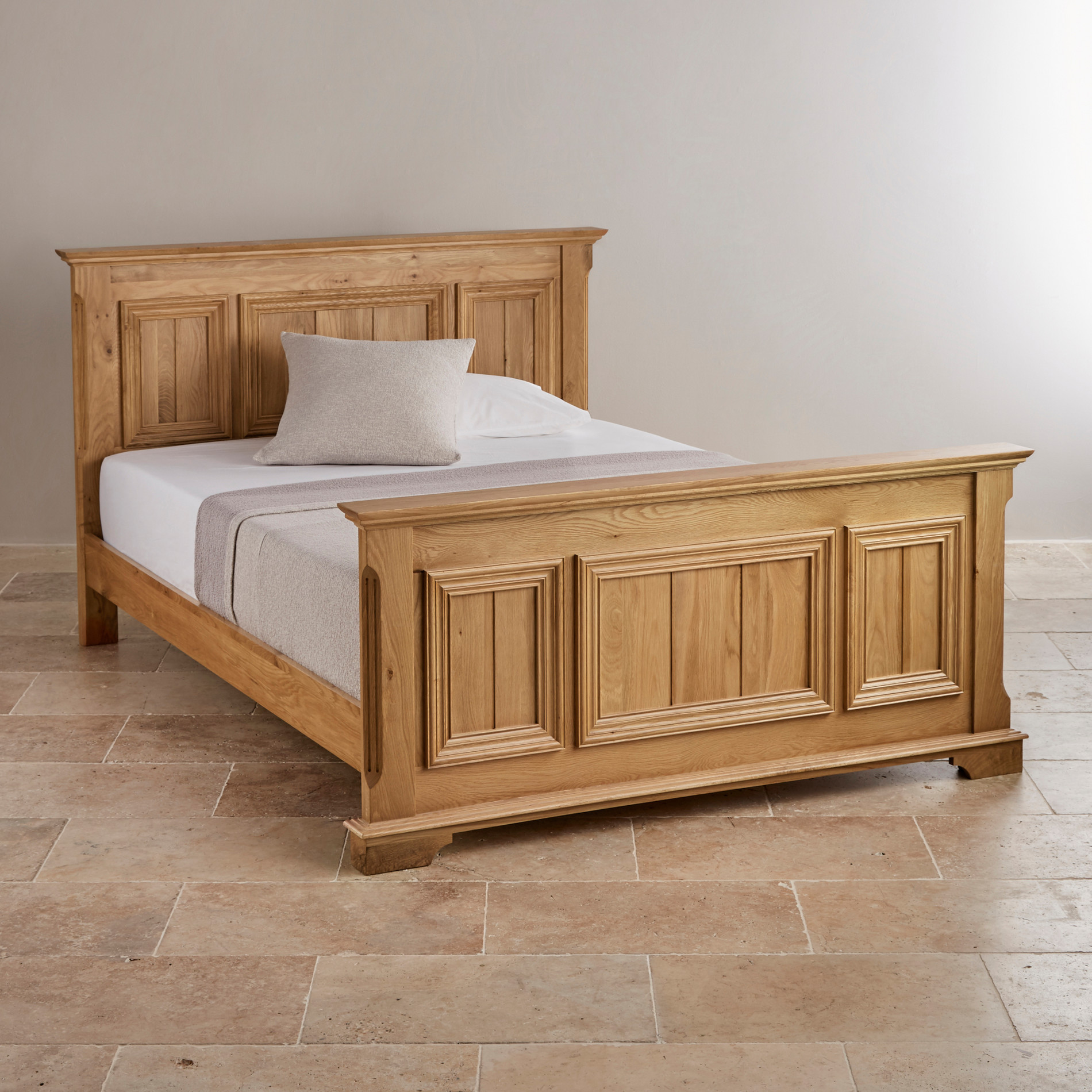 Edinburgh king size bed in natural solid oak oak for Solid oak furniture