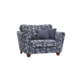 Ashdown Loveseat in Hampton Navy