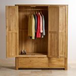 Romsey Natural Solid Oak Triple Wardrobe - Thumbnail 4