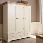 Country Cottage Natural Oak and Painted Triple Wardrobe - Thumbnail 3