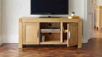 /media/gbu0/resizedcache/oak-tv-cabinets-1500541733_4bed40bd8d6070f86ba501851c459c41.jpg