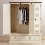 Shutter Brushed Oak and Painted Triple Wardrobe - Thumbnail 4